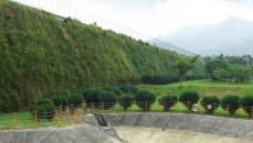 Aplicación de la estructura con tierra reforzada para la expansión de vertederos residuos