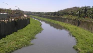 Améliorer le renouvellement du système de drainage dans les canaux de la rivière