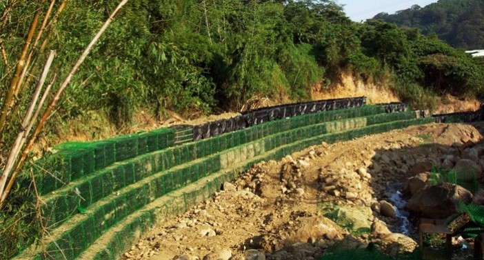 Applicable to coastal erosion control and protection
