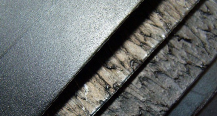 Geomembrane with great resistance against tearing and puncture