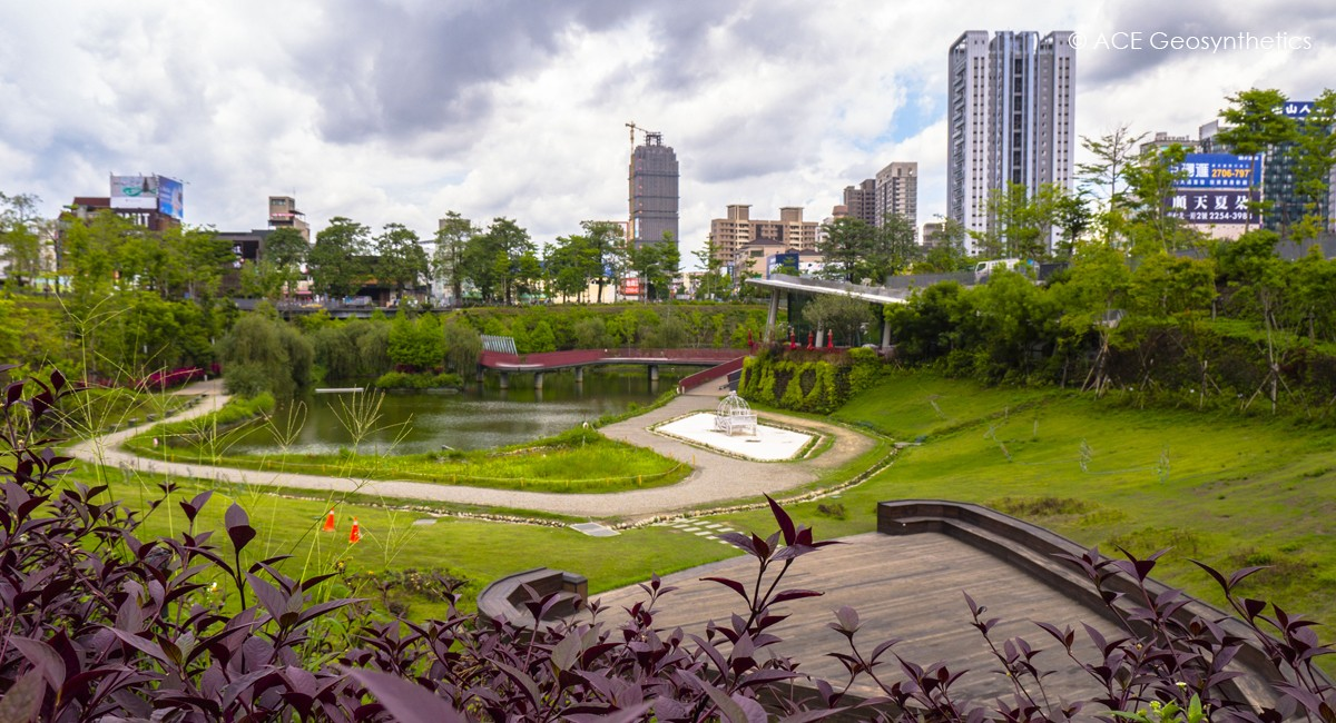 Maple Garden, a Recreational Park with Function of Flood Detention in the City Center, Taichung, Taiwan