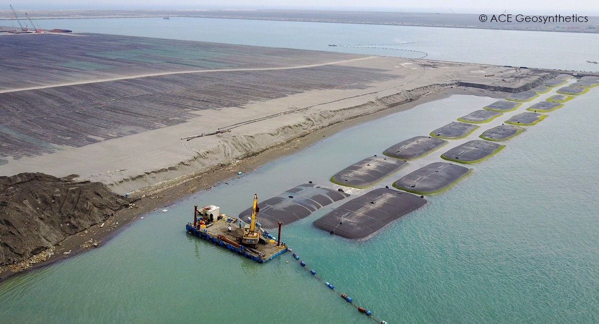 Use Giant Geotextile Tube for Temporary Cofferdam Reclamation at Harbor, Kaohsiung, Taiwan