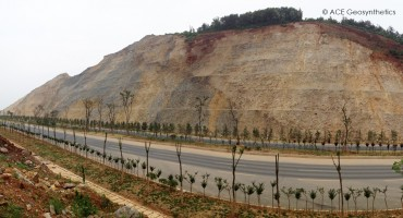 Công trình bảo vệ kè và trồng thực vật phía nam đoạn Sơn Khẩu, đại lộ Ứng Quảng, tỉnh Hồ Bắc, Trung Quốc